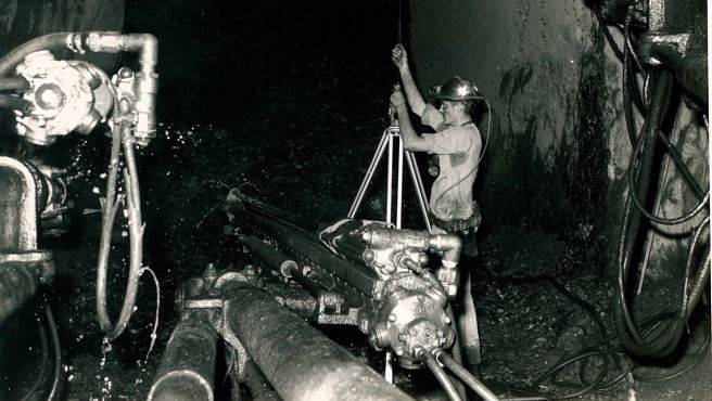 Underground surveying at Mount Isa Mines in the 1970s. Photo: supplied