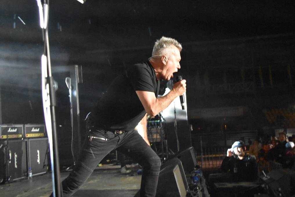 ROCK ON: Jimmy Barnes rocked on at the Mount Isa rodeo after cutting his leg open during his set. Picture: Lydia Lynch.